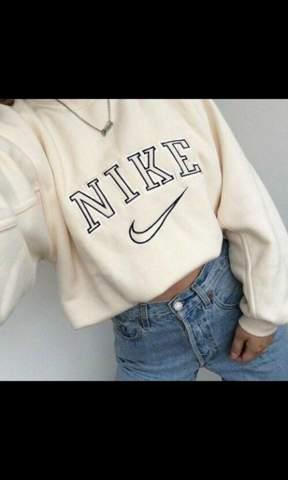 Wo kann man Nike Crewneck Sweater kaufen?