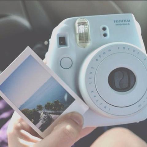Wo kann man so eine Kamera kaufen? - (Foto, Kamera, Fotografie)
