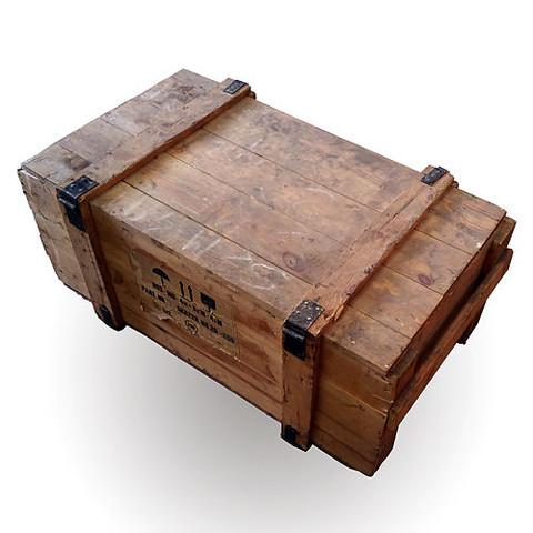 Wo kann man solche oder ähnliche Holzkisten guter Qualität (ca. 1,30mx0,60mx0,40m) kaufen oder anfertigen lassen (oder auch Feldkisten)?