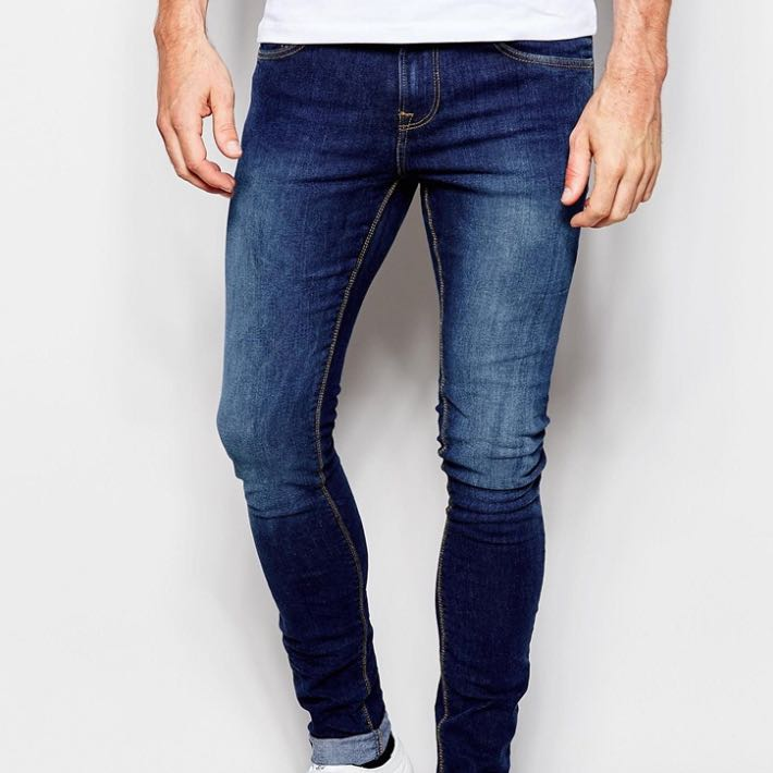 wo kann man solche skinny jeans kaufen wie hier auf dem. Black Bedroom Furniture Sets. Home Design Ideas