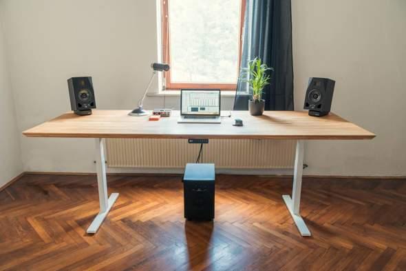 Wo könnte ich mir solchen großen PC Tisch machen lassen?