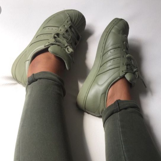 best sneakers 79a81 36b47 khaki adidas superstars