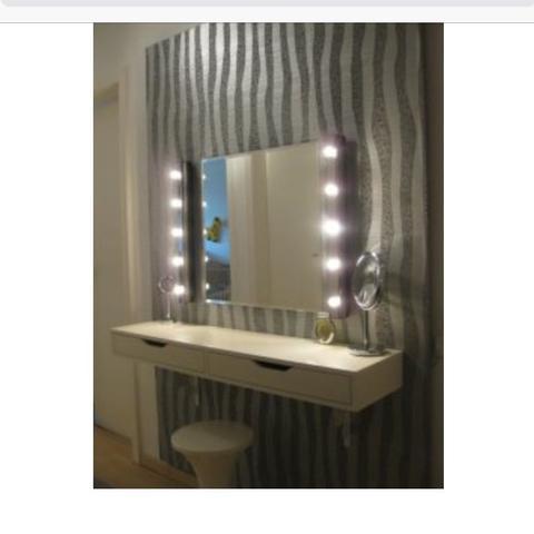 wo kriege ich so einen spiegel her bzw wie kann ich sowas. Black Bedroom Furniture Sets. Home Design Ideas