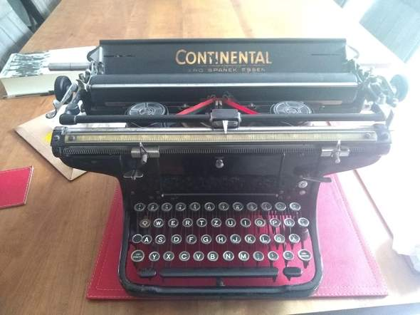 Wo kriegt man ein rot schwarzes Farbband (16mm) aus Seide für die Continental Schreibmaschine (Seriennummer 487798) her?