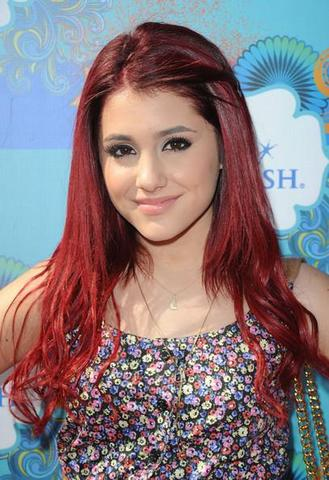 Nr.3 - (Style, Outfit, Ariana Grande)