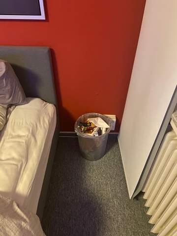 Wo sieht der Mülleimer, eurer Meinung nach besser aus?