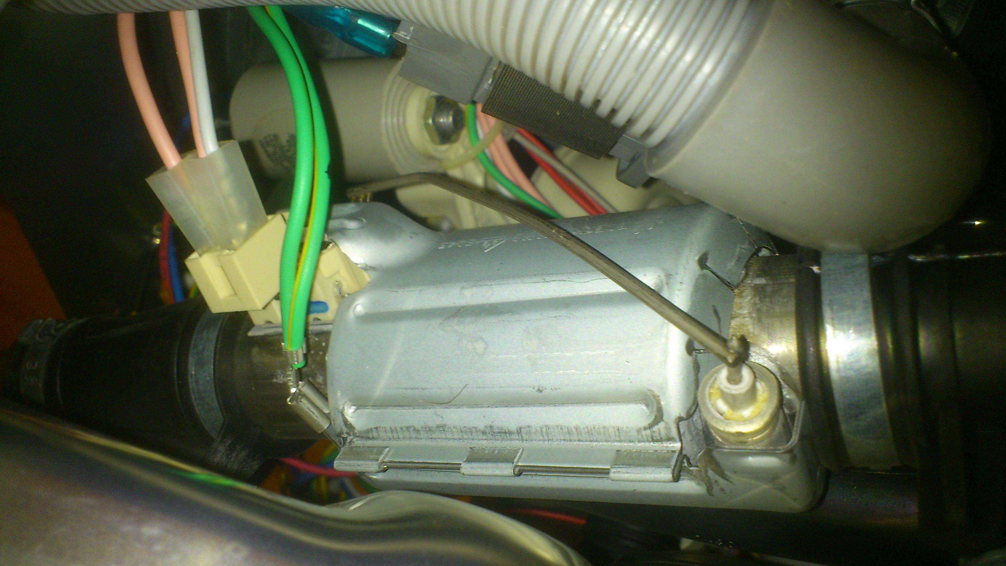 wo sitzt der temperatursensor bei einer  ~ Geschirrspülmaschine Exquisit