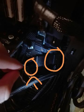 Wo stecke ich die Fan Stromversorgung an (FSP CMT 340)?