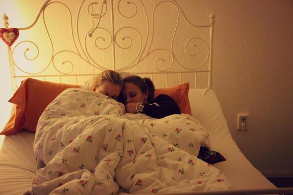 Bett 2 - (schlafen, Zimmer, Bett)