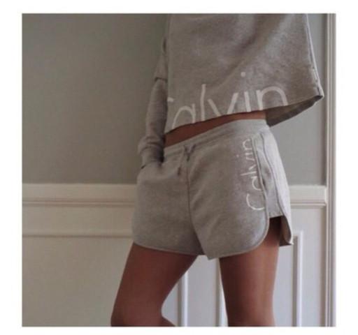 grau - (Mode, Kleidung, Suche)