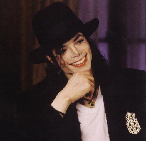 Bild zur Frage - (Schmuck, Kette, Michael Jackson)