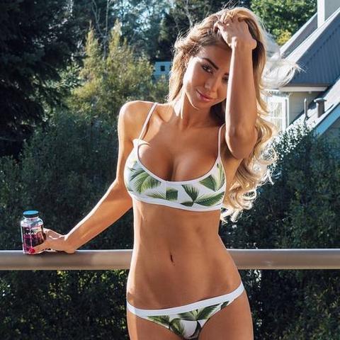 Weißer Bikini - HUnf - (Sommer, Ferien, Bikini)