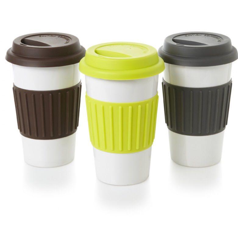 woher bekomme ich kaffee becher to go her gesch ft plastik kaffeebecher. Black Bedroom Furniture Sets. Home Design Ideas