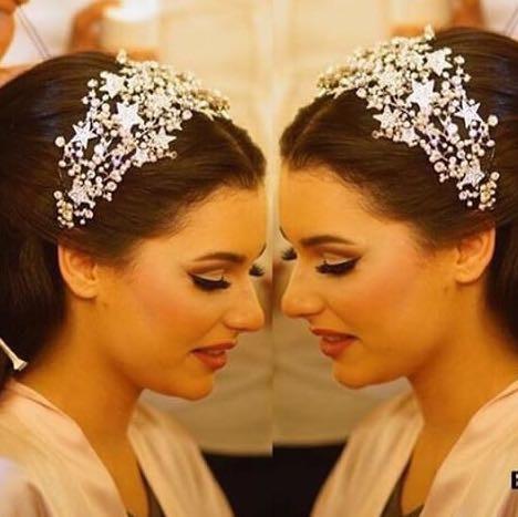 Schönes Haarschmuck für eine Braut  - (Hochzeit, Braut, Haarreif)