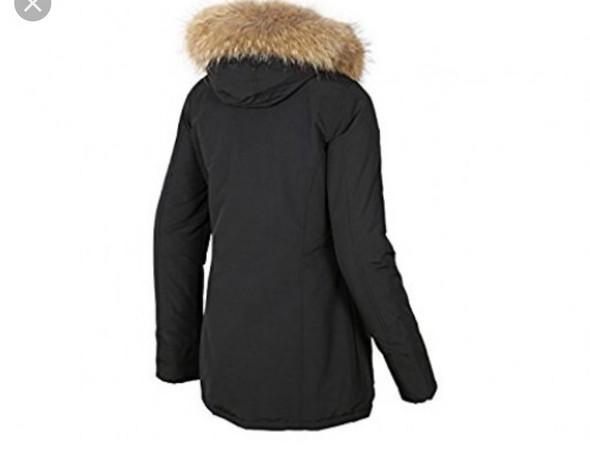 woher bekommt man so eine winterjacke die kennt safe jeder jacke winter. Black Bedroom Furniture Sets. Home Design Ideas