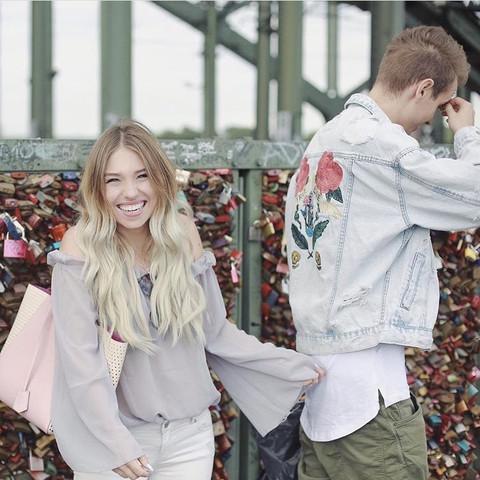 Es handelt sich um die Bluse dieser Youtuberin  - (Mädchen, Mode, Marke)