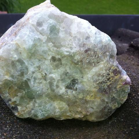 unten - (Steine, mehrfarbig)