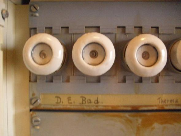 Aeg Kühlschrank Griff Wechseln : Woran erkenne ich ob ich eine schmelzsicherung wechseln muss