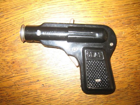Die Pistole - (Feuerwerk, Pistole, Platzparone)