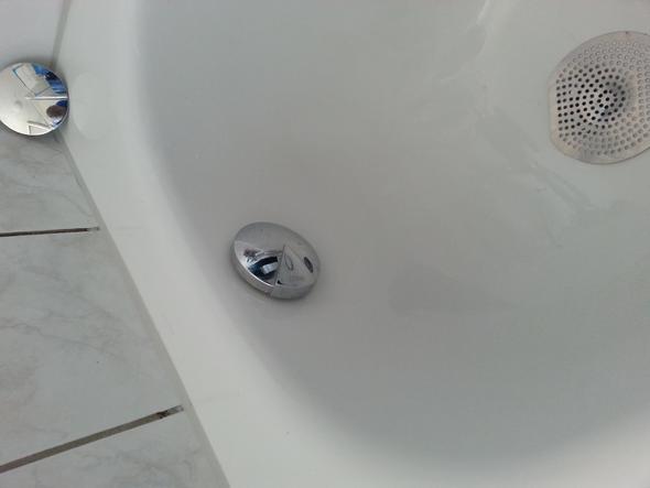 wozu sind diese dinger badezimmer wasser nur hei oder lauwarm dusche durchlauferhitzer. Black Bedroom Furniture Sets. Home Design Ideas
