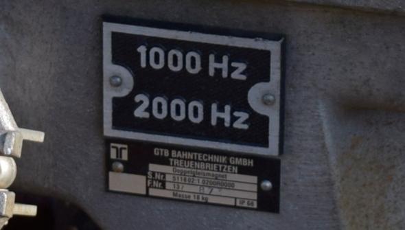 - (Elektrotechnik, Lokführer, Gleis)