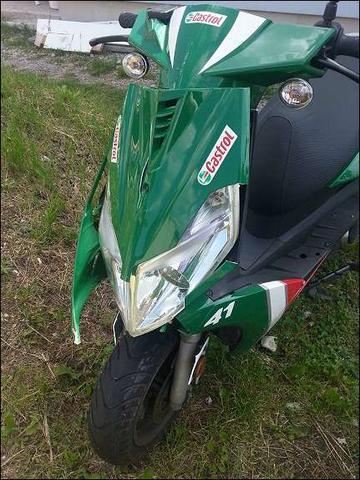 Generic XOR 50 - (Roller, Mofa, Moped)