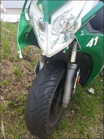 Generic XOR 50       2 - (Roller, Mofa, Moped)