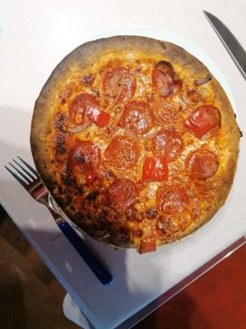 Würdet ihr diese Pizza noch essen?