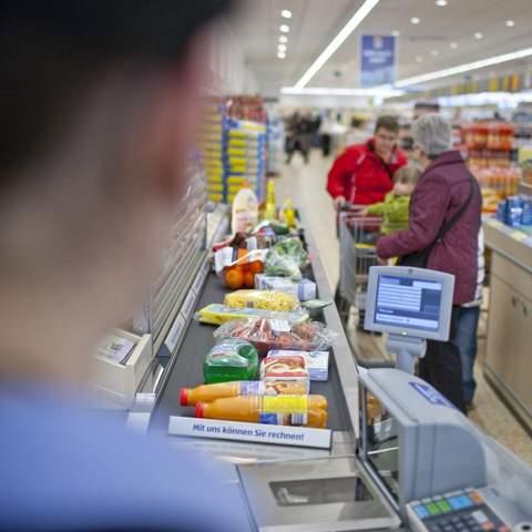 Wurde dir an der Kasse auch schon etwas mehrfach getippt, und wollten daher mehr Geld für deine gekauften Ware?
