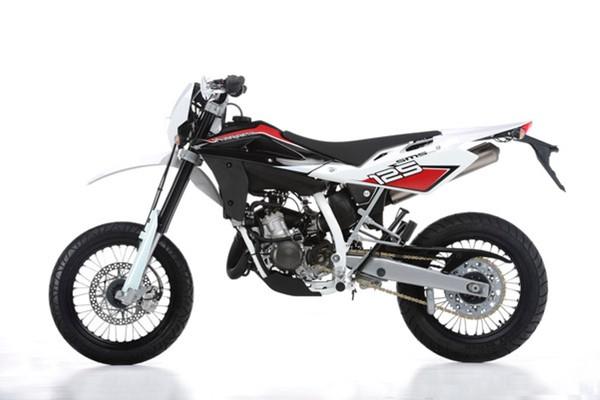 yamaha wr 125 x oder husqvarna smr 125 motorrad enduro bike. Black Bedroom Furniture Sets. Home Design Ideas