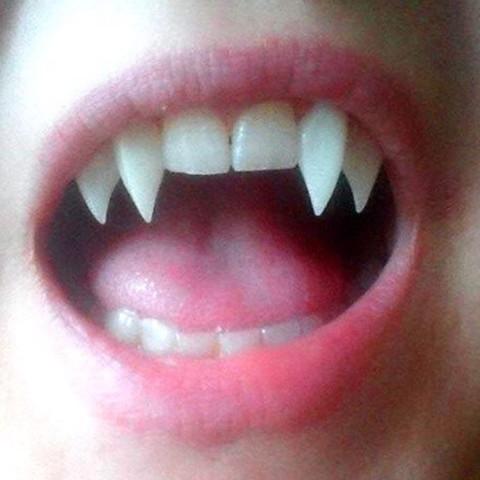 Vampirzähne, spitz  - (Spitze, vampirzähne)