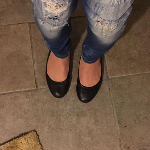 Zu meiner Frage fürs Outfit .Detailfoto der Shuhe und Jeans?