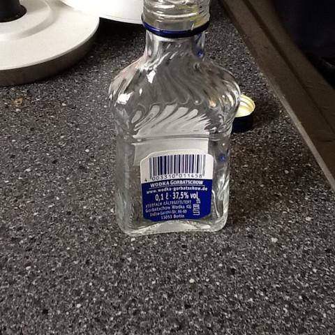 Das ist die Flasche   - (Alkohol, Wodka, Besoffen)