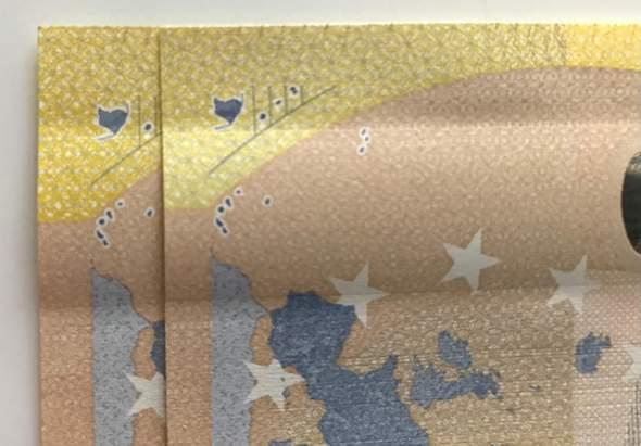 Zwei unterschiedliche Gelbtöne beim 200 Euro Schein, ich habe alle Sicherheitsmerkmale geprüft, scheint echt zu sein - Wie kann das sein?