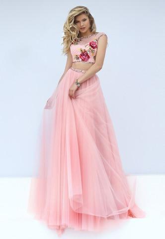 Beispiel 2 - (Mode, Abschluss, Kleid)