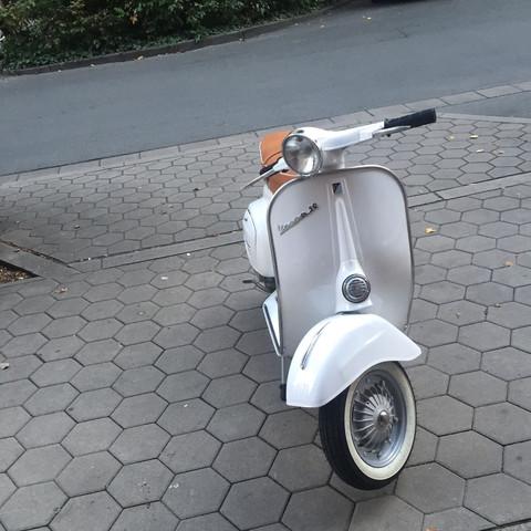 Die Vespa 50n   - (Motorrad, Motorroller, Vespa)